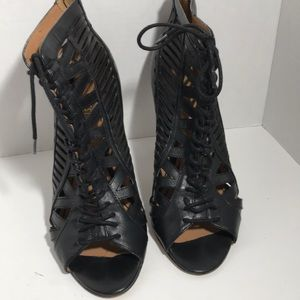 Nine West Black Leather Tie-Up Ankle Shoes